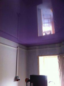 תקרה נמתחת בחדר שינה