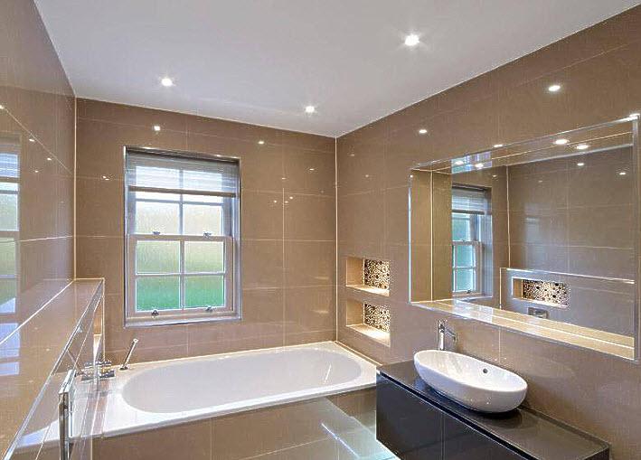תקרה נמתחת בחדר אמבטיה